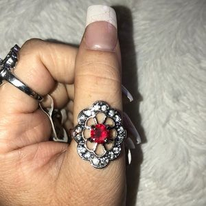 Beautiful Silver & Red Jewel ring (1 piece)